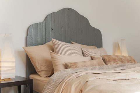 organic cotton bed linen dyed with sandalwood